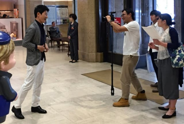 高島屋は中国で人気の俳優を起用(東京都中央区の日本橋店)