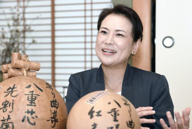 年に10回、花火大会を駆け回るという 宗家花火鍵屋15代目の天野安喜子さん