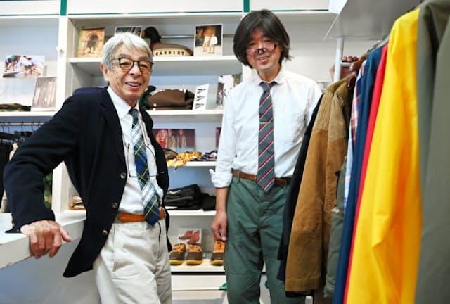 服飾評論家の石津祥介さん(左)と原宿キャシディのバイヤー、八木沢博幸さん。八木沢さんは学生時代からアメ横に通い続け、この道へ(東京都渋谷区)