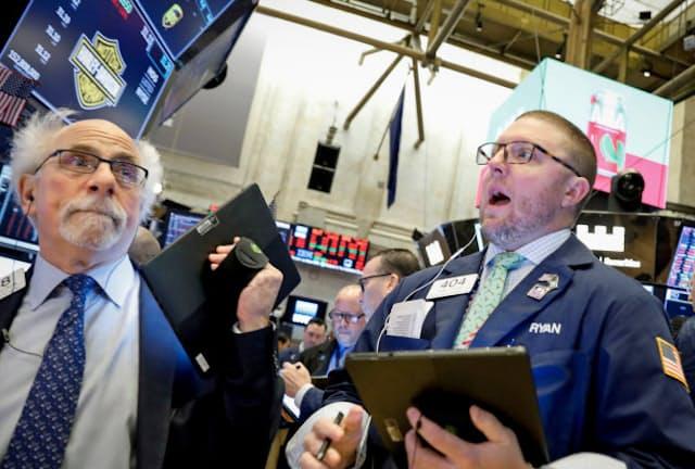 新型コロナウイルスの感染拡大が世界の株価に影響(ニューヨーク証券取引所)=ロイター