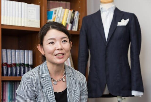 「だれもが取り入れられ、万人受けするおしゃれを提案したい」と話すメーカーズシャツ鎌倉の貞末奈名子社長