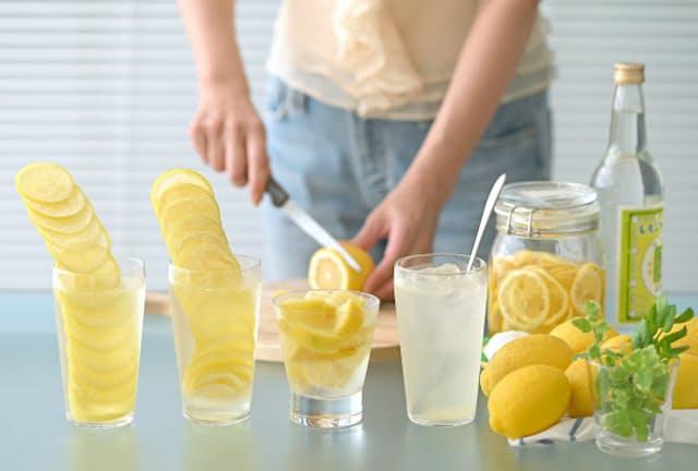 レモンタワー(左)やギュウギュウレモン(中)などバリエーション豊富=岡村 享則撮影