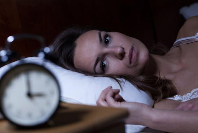 眠れないのはあなたのせいではない。2つの生体リズムを押さえ、睡眠の技術さえ習得すれば、多くの人は眠れる(c)sKatarzyna BiaAasiewicz 123-rf