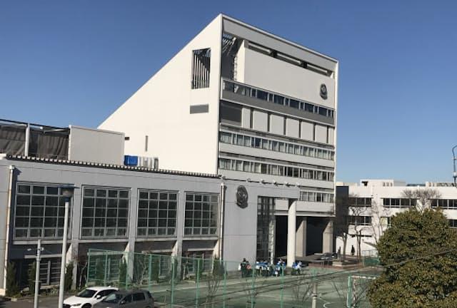 千葉市の幕張新都心にある渋谷教育学園幕張中学校・高等学校