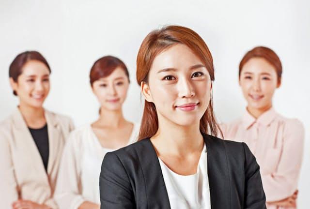 女性のマネジャー職としての採用も進んでいる。写真はイメージ=PIXTA