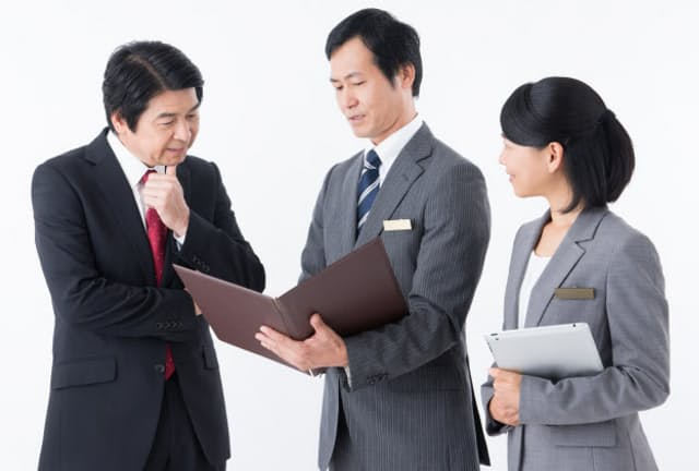 公認会計士が会計以外も幅広くコンサルティングできれば、さらに頼られる存在に。 写真はイメージ=PIXTA
