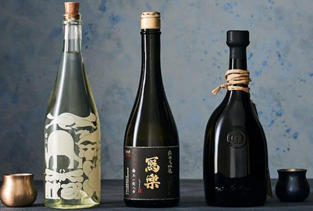 見た目にも特別感漂う3本を紹介するほか、贈りもので喜ばれる日本酒の選び方をアドバイス。(NikkeiLUXEより)