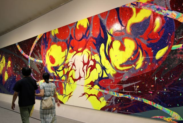 藤原葵さんの「Conflagration」では巨大な絵画で爆発が表現されている(9月11日、あいちトリエンナーレ2019)
