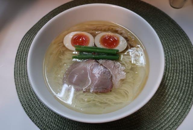 「麺や金時」の「塩らぁ麺」