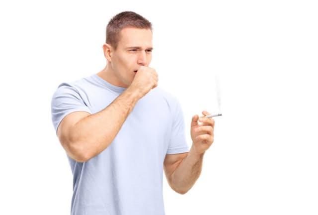タバコを吸う人はインフルエンザを発症しやすいことが明らかに。写真はイメージ=(c) ljupco-123RF