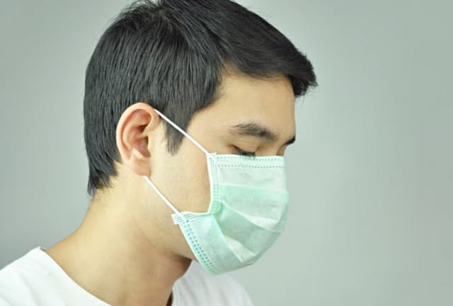 感染拡大への不安から、店頭ではマスクが品薄状態になっているが…。写真はイメージ=(C)kritchanut-123RF