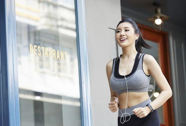 働く女性の運動習慣で人気はジョギング(写真はイメージ=PIXTA)