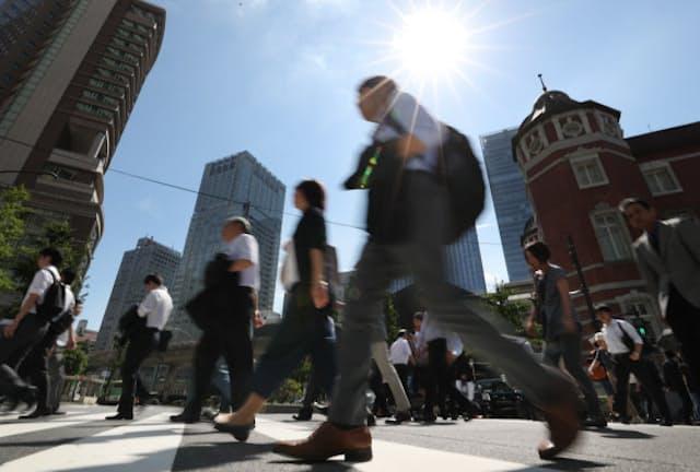 コロナ禍は通勤や出社、在席といった、職場の「常識」を揺さぶった(写真はイメージ)