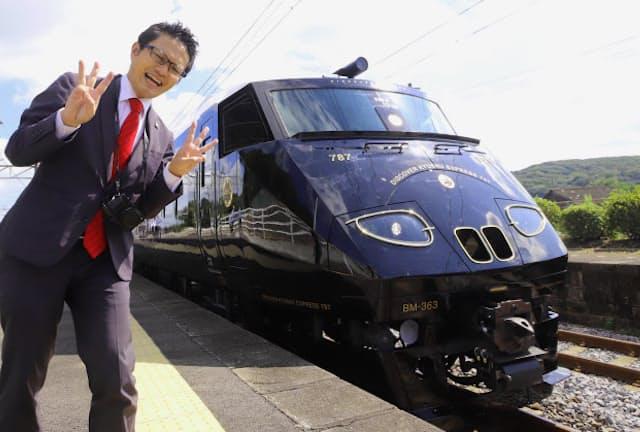 1992年製の787系。新車のようにツヤツヤ、ピカピカになり南田裕介さんも感動