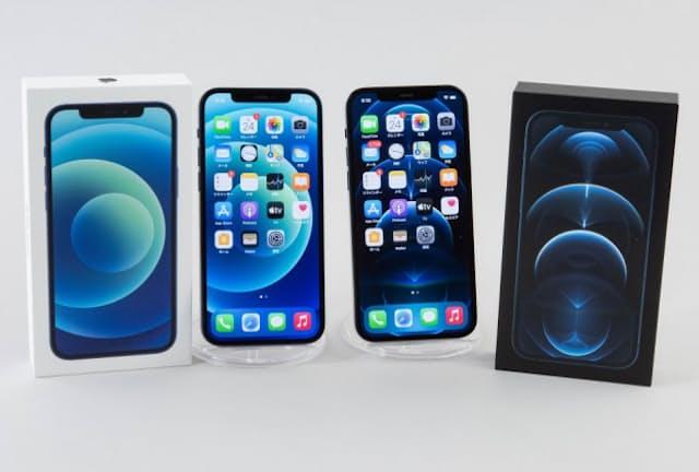 iPhone 12(左)とiPhone 12 Pro(右)が先行発売。本体サイズはまったく同じだ。公式オンラインストアの販売価格はiPhone 12が8万5800円から、iPhone 12 Proは10万6800円から(いずれも税別)