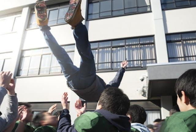 大学入試シーズンが本格的に始まる(写真はイメージ=PIXTA)