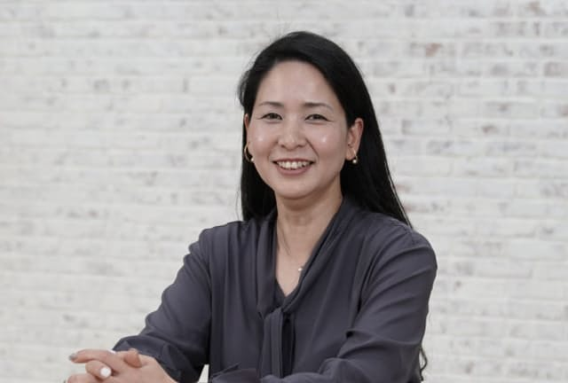 かしわむら・みお 1998年リクルート入社。29歳の時に『ゼクシィ』の中国進出を提案し現場責任者として、中国版ゼクシィ『皆喜』を創刊。帰国後、ホットペッパービューティ事業長、リクルートライフスタイルの執行役員を経て、2019年4月にリクルートマーケティングパートナーズ社長。2020年4月より現職。