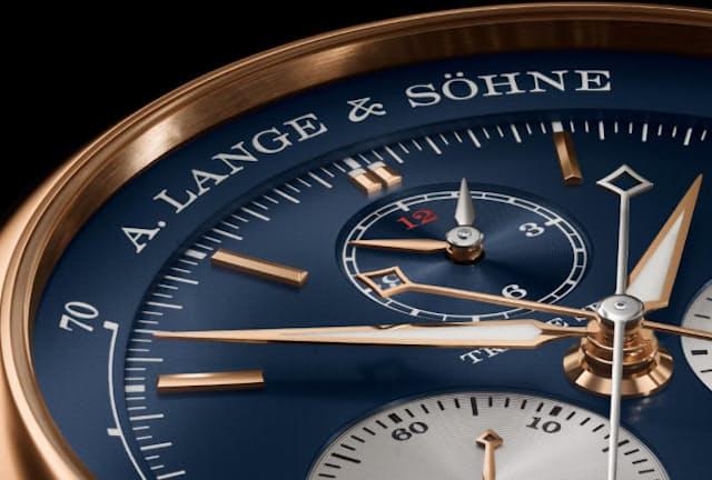 A.ランゲ&ゾーネの「トリプルスプリット」は設計士、時計師、仕上げ職人があらゆる技術を注ぎ込んだ腕時計という。新作はブルーのダイヤルとピンクゴールドのケース