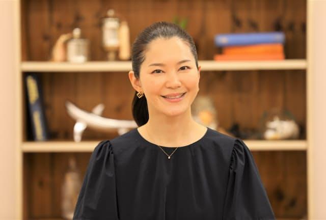 ともの・なお 睡眠コンサルタント、株式会社SEA Trinity代表取締役。自身が睡眠を改善したことにより、15kgのダイエットと重度のパニック障害の克服、体質改善に成功した経験から、睡眠を専門的に研究。日本公衆衛生学会、日本睡眠学会、日本睡眠環境学会 正会員。行動療法からの睡眠改善、快眠を促す寝室空間づくりを得意とし、全国での講演活動、企業の商品開発やコンサルテーション、執筆活動などを行う。