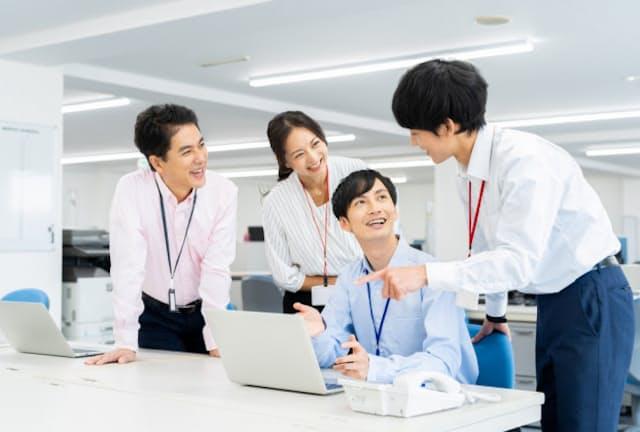 転職の求人は職場の柱となる35歳までに偏りやすい(写真はイメージ) =PIXTA
