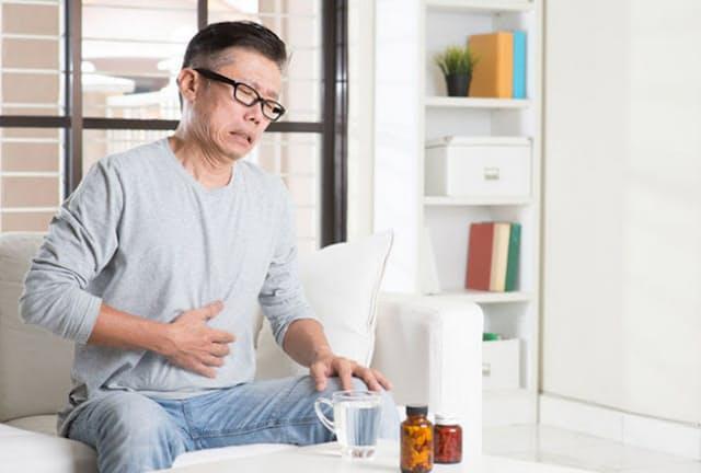 飲み過ぎると翌日お腹を壊すという人は少なくない。どういうメカニズムだろう?(写真はイメージ=123RF)