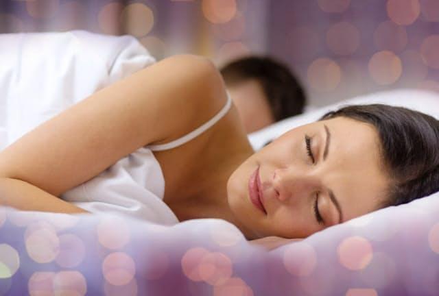 夏の睡眠をスムーズにするコツは?(写真はイメージ=123RF)