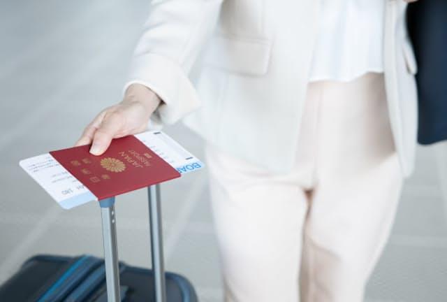 パスポートで旧姓を併記する要件を緩和した(写真はイメージ)=PIXTA