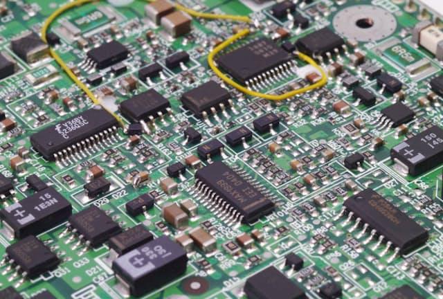 パソコンの需要拡大も半導体需要を押し上げている(写真はイメージ) =PIXTA