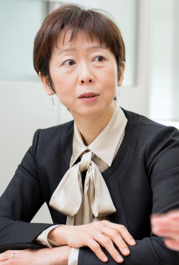 山田真貴子氏(53): 日本経済新聞