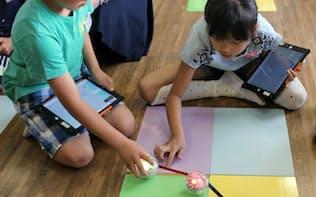 タブレットでプログラムを作り、球形ロボット「スフィロ」を動かす(茨城県古河市)