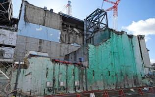 爆発の傷痕が残る福島第1原発3号機(福島県大熊町、17年2月撮影)