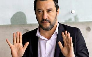 イタリアのサルビーニ副首相は「反EU」を欧州議会選の選挙運動の柱に据える=ロイター