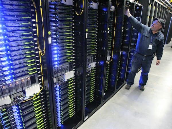 米顧客から台湾受託生産企業に生産の中国外移転要請が強まっている(米フェイスブックのデータセンター)=The Bulletin・AP