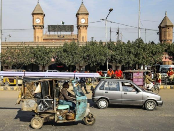パキスタンは外貨準備が激減している=ゲッティ共同