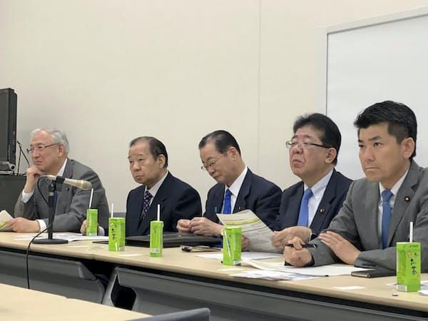 4月11日に開かれた自転車活用推進議員連盟の年次総会(東京・永田町の参院議員会館)