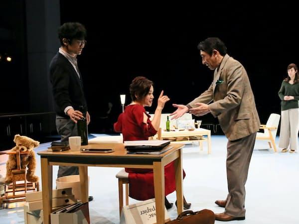 左から稲垣吾郎、大竹しのぶ、段田安則、ともさかりえ=宮川 舞子撮影