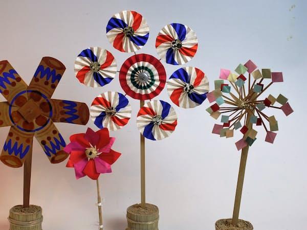 日本の郷土玩具の風車。左が菟足神社のもの