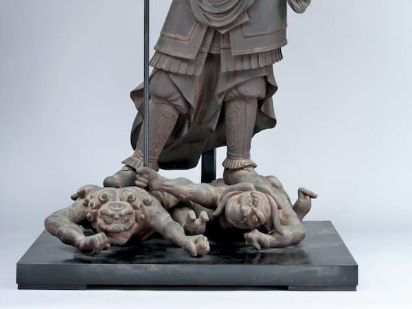 北条時政のために造られた願成就院(静岡県伊豆の国市)の毘沙門天立像                                                   =文化庁提供