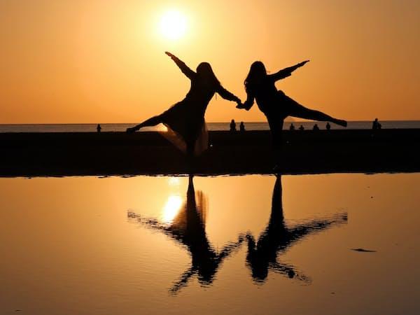 夕日を背にインスタ映えする写真が撮れる