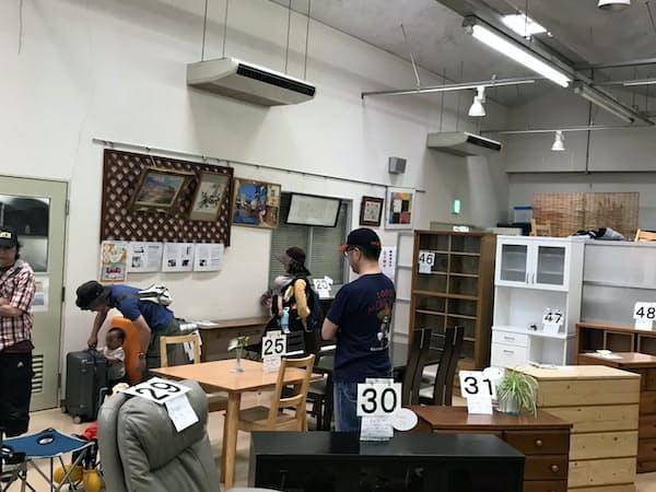 エコプラザ用賀(東京都世田谷区)には様々なリユース品が展示されている