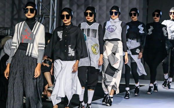 イスラム教徒向けファッション市場は急成長している                                                   =浅原敬一郎撮影