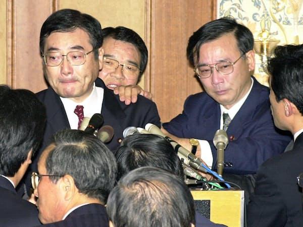 野党を巻きこんでの倒閣運動「加藤の乱」は結局、失敗に終わった(2000年11月、都内のホテル)