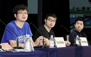 パネル討論する(左から)西川、王、ウィリアムの各氏(5月31日、東京都千代田区)