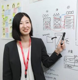 イラストを使ってアプリの開発を進めるデザイナー出身の伊藤梨恵さん