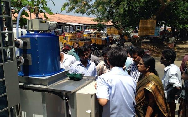 インドで製氷装置の普及を拡大する(2月、インドのナガパティナム県)