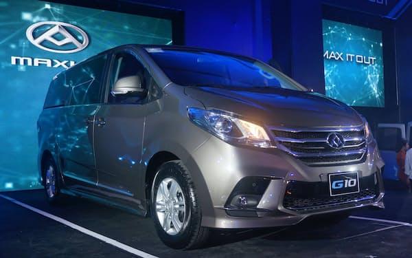 アヤラの傘下企業がフィリピンで発売した上海汽車集団の多目的車(6月、マニラ)