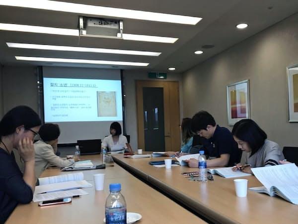 学生は韓国でのワークショップにも参加した