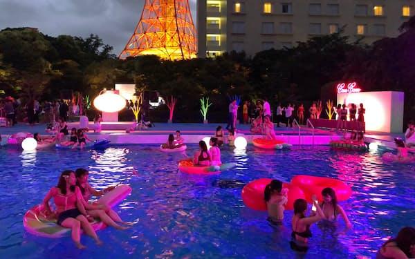 インスタ映えを意識した「CanCam×Tokyo Prince Hotel Night Pool」                                                   (東京都港区の東京プリンスホテル)
