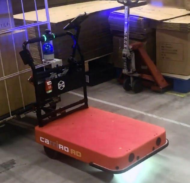 NTT東日本とZMPは実証実験を開始(台車型物流支援ロボット「キャリロ」)