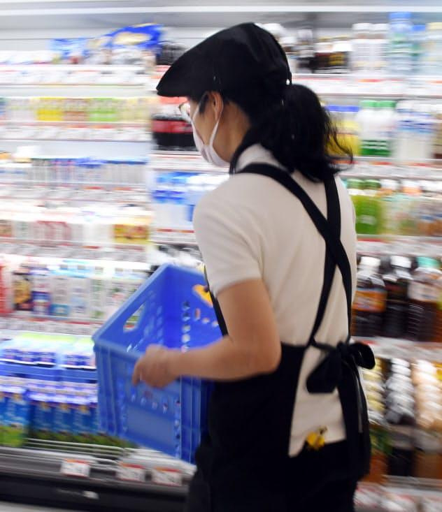 最低賃金並みで働く人の7割が女性(都内のスーパー)